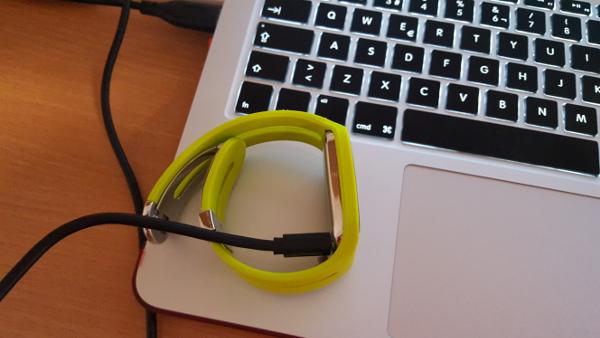 USB conectado al reloj